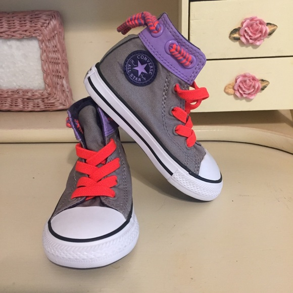 be7aa192ca4e Converse Other - Converse Grey and Purple